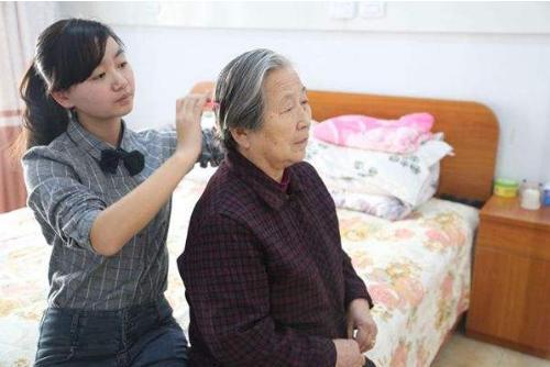 白老人蒼老! 每天10分鐘讓你頭髮烏黑還防中風和癡呆