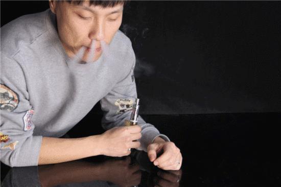 請轉給吸菸的家人,戒菸後1天,1個月,1年的變化,老菸民奉獻