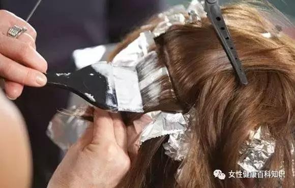 47歲女教師染髮10天後身亡! 這5類人最好不要染髮!