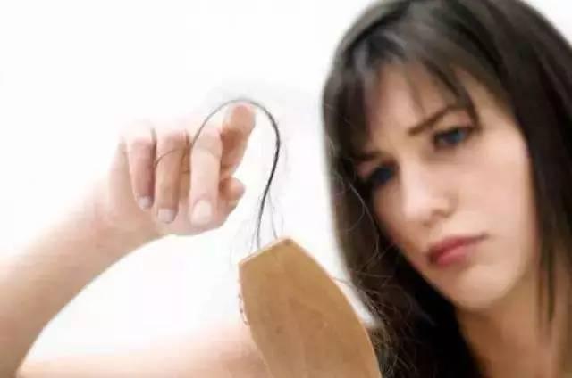 愛脫髮的人有救了,這8種方法讓頭髮「重獲新生」