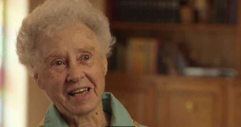 才新婚6個星期丈夫就離開了她,從此渺無音訊…70年後她終於獲得了一個令人釋懷的真相…超感人!