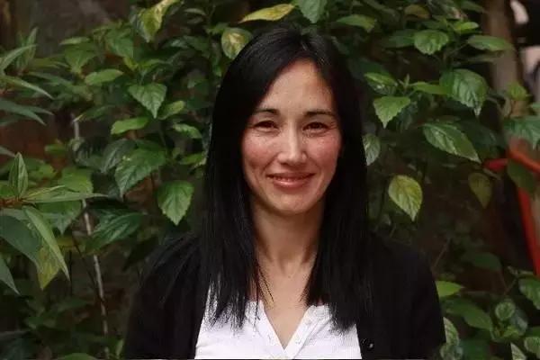 混血女神柏安妮,拒絕星爺兩次,愛戀浩南哥,如今是心理治療師