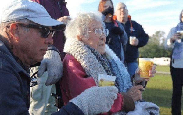 這位90歲老奶奶得癌症後決定拒絕手術去旅行,沒想到旅遊6個月後就發生了奇蹟…!