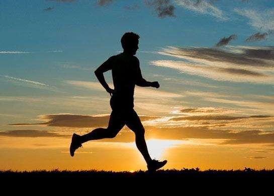 晨跑夜跑哪個好?得病了還能跑嗎?