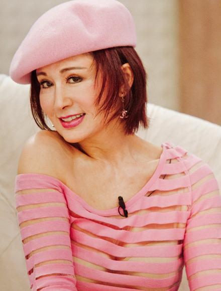 她比劉曉慶趙雅芝厲害,是真正的不老女神,72歲還似少女一般 !