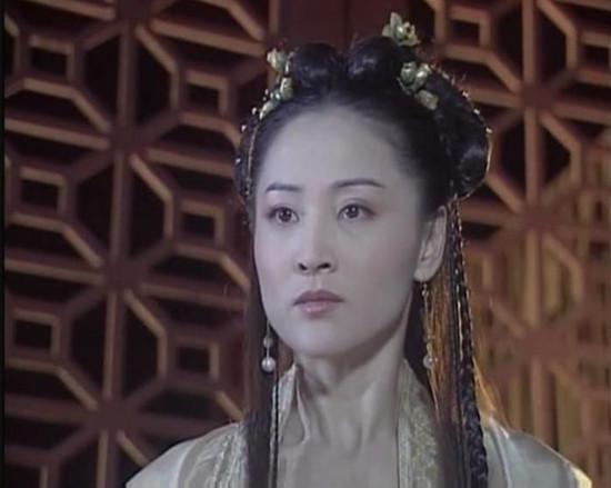 她是馬景濤最愛的女人,也是曾國城最想挽回的女人! 她美艷勝過鍾麗緹,但到了52歲仍單身度日...! 原來當年發生了...!