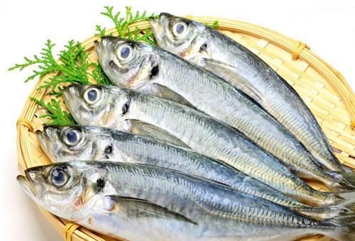 魚刺卡住喉嚨怎麼辦? 這才是緊急自救的正確做法
