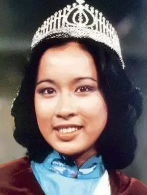 她是美過李嘉欣的最美港姐,兩次嫁給億萬富豪,58歲仍風韻猶存!