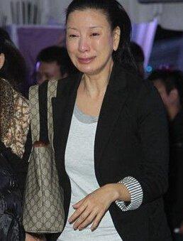 曾自爆「15歲把初夜給了鄭進一」,52歲楊繡惠再爆被「圈內人追求」! 險遭騙婚的她這次....
