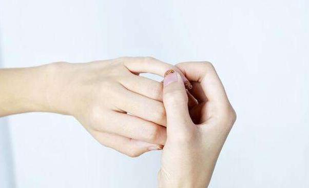 按摩小指相當於吃28味藥!堅持一個月強心補腎