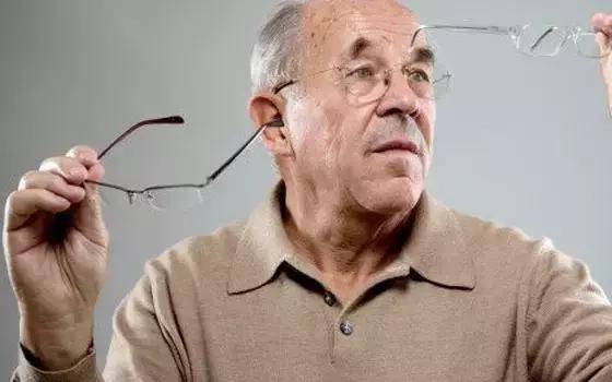 90歲眼不花 治療老花眼的方法 送給爸媽也留給自己