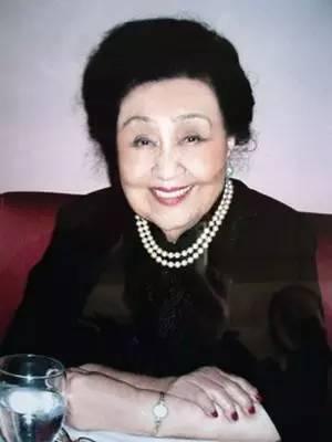她111歲身患癌症,卻穿高跟、抹口紅、噴香水,真佩服!