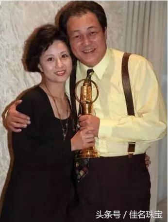 帶妻子演700集「包青天」,為角色增肥還禁慾,24年後他的身體發生了「驚人的變化」....!