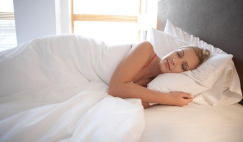 枕頭居然不是用來枕「頭」的?主要是墊頸椎?