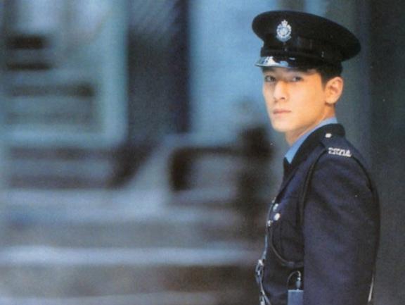 出道20年零緋聞,李連杰影響他一生,最像外國人的中國人!