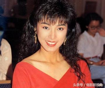 成龍追了她8年,慘遭拋棄後一怒演謎片,發誓不嫁今62歲仍單身!