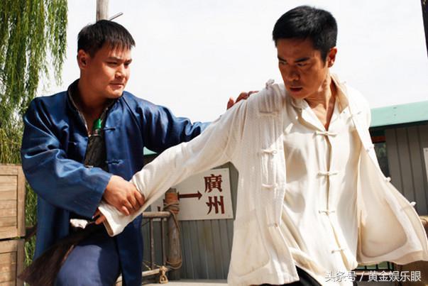 19歲成了散打王,成龍是他粉絲,打得韓國人無法招架,只能認輸