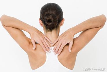 一個穴位再加六個動作,每天做一次,告別肩周炎,轉給父母試試