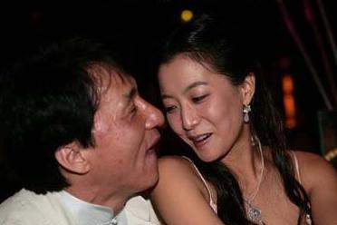 成龍最恨的一個女人 拍戲耍大牌將其封殺 眾導演一起起鬨!