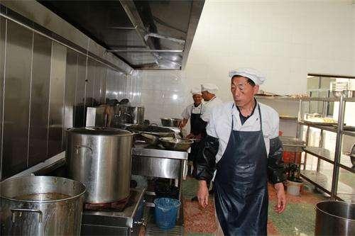 農村男人去日本打工掙錢,十年內寄給妻子660萬,回國後卻發現了驚天秘密!