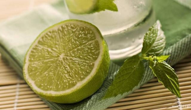 自製檸檬水搭配其他食材,養顏美容,愛喝的人都是這麼泡的