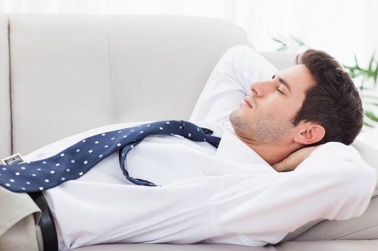 睡覺是向左還是向右好,很多人都被誤導了很多年!