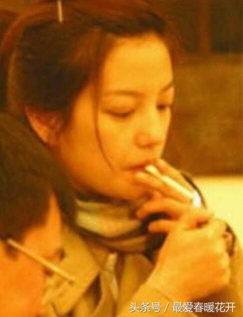 Baby抽菸又被抓,9年煙齡不好戒,黃曉明無奈苦笑。細數娛樂圈的「女煙槍」