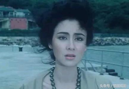 多情成龍沒有離過婚,而她給洪金寶生了四個孩子,沒能留住他的心