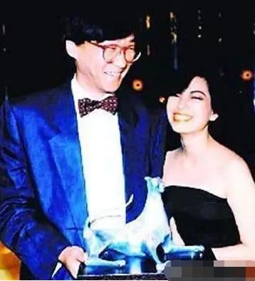 43歲患上癌症,被騙婚10年,60歲宣布終身不婚!