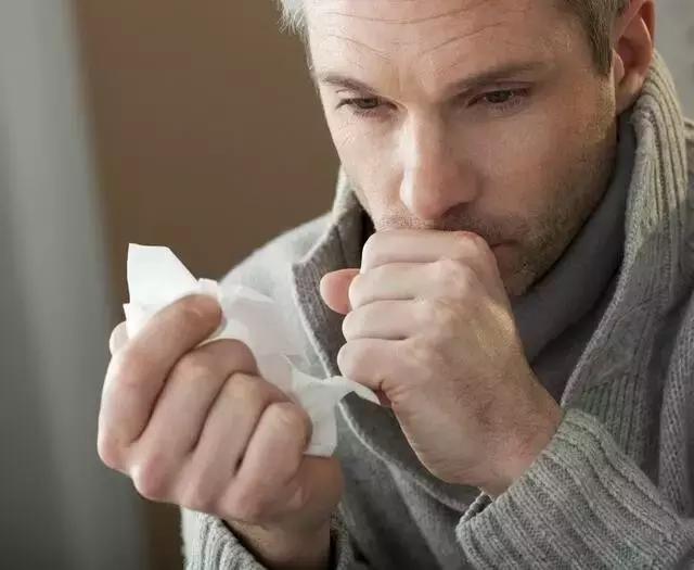 手上有個奇穴,治療咳嗽,秒殺咽喉腫痛,效果好到驚人!