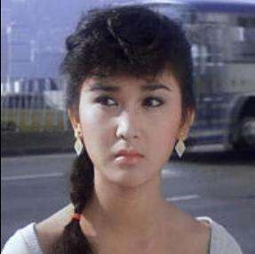 看了「李亞男」身材的照片,才知道「王祖藍」對她死心塌地是有原因的,尤其是第四張!直噴鼻血!