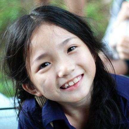 還記得「她」嗎 ?她是激戰里的梁佩丹! 5歲出道,10歲得影後,張家輝贊她可愛 , 但如今竟然長成「這樣子」.....我
