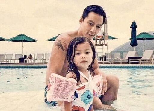 吳彥祖四歲女兒長發及腰,帥到傾城的他曾身患抑鬱症,妻子拯救他