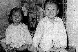 90年代憑一曲紅遍中國,卻因唱一首歌入獄7年,如今生活成這樣 !