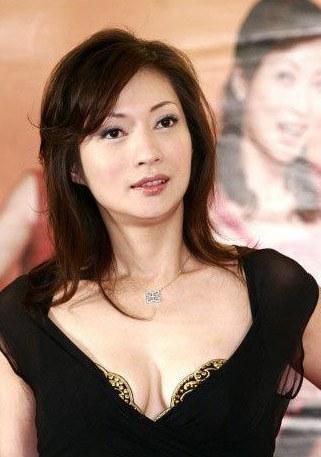46歲溫翠苹「中日混血女兒」曝光!當年「日本老公外遇」又不愛小孩...女兒長大美翻狠打臉前夫!