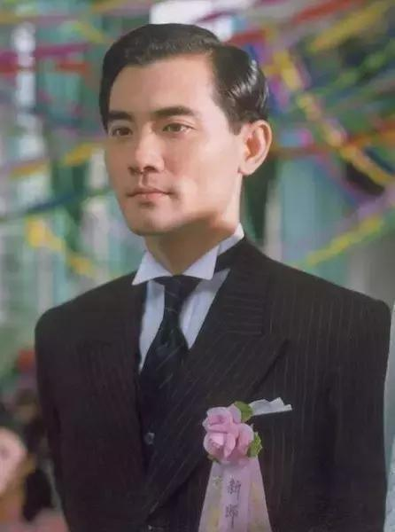 「32歲高齡」出道被李安捧紅,周迅「最愛的人」,入行25年「零緋聞」,年近60歲仍單身!