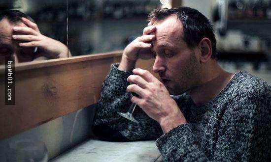 11個「比抽菸恐怖100倍」的習以為常壞習慣,早上洗頭根本是在傷害自己的健康!
