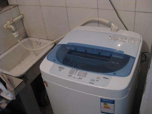 洗衣機蓋子開著好還是關著好?好多人做錯了!洗完衣服全身都癢!