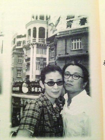 14歲暗戀張國榮,與導演戀愛19年未領證,女兒十歲但恩愛如初 !