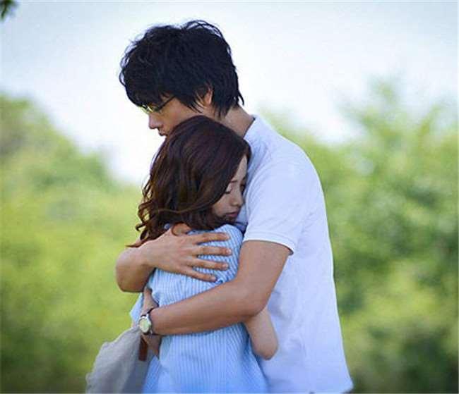 女孩被男友嫌棄長相不佳,決定整成他最愛的樣子!