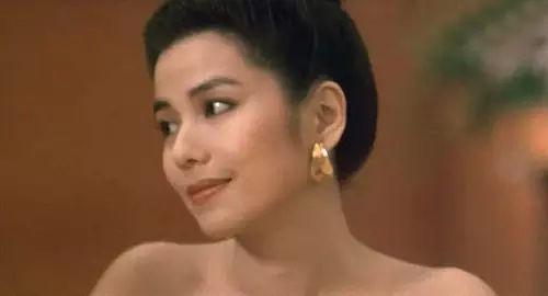 她是90年代最嫵媚的女星,周潤發張國榮為她吃醋,57歲驚艷時光!