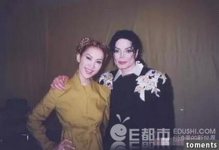 勁爆!李玟的倆個女兒曝光了!想不到倆個都美成這樣。。但是她的女兒卻這樣對自己的媽媽。。。