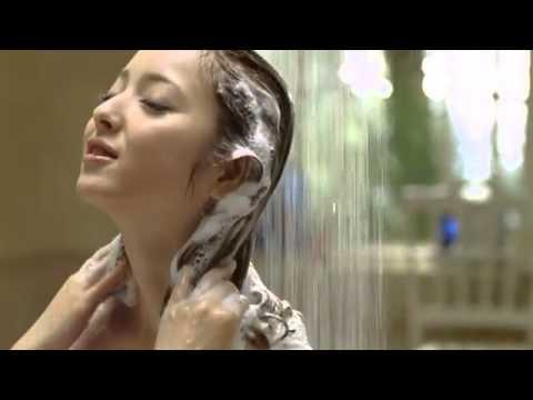 徐若瑄洗澡房間「巨大碰撞聲」,頂著洗髮乳就趕過去...竟看到「老公滿手鮮血抱著兒子」!!