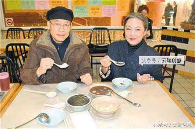 50年前邵氏最紅小生,亦舒耿耿於懷的前任,夫妻相伴40年白頭偕老