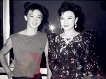 金星隱藏了10年的前妻照片曝光,網友:顏值太高秒殺范冰冰!