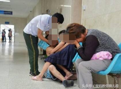 22歲孕婦沒日沒夜打麻將,剖腹取出孩子後,全家瞬間被嚇懵