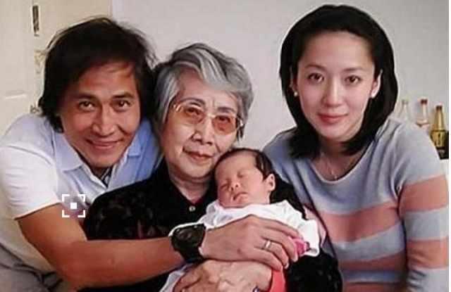 25歲嫁50歲有錢老公,移民美國後生2個孩子,如今活成這樣!