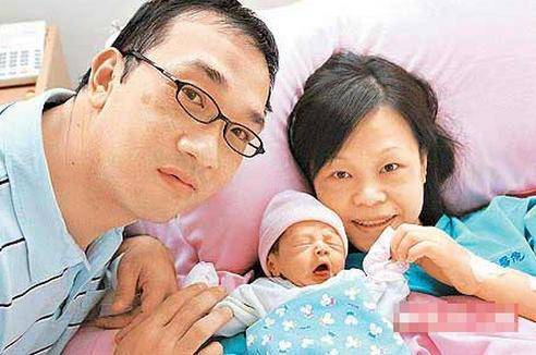 連遇渣男差點破產,長得醜嫁豪門,如今雙胞胎女兒很漂亮