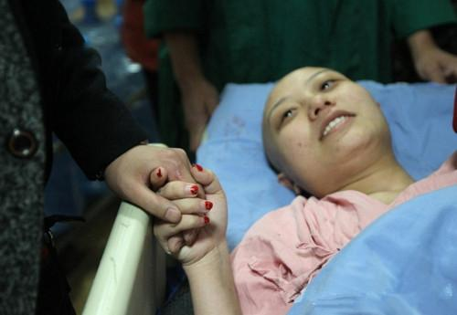 26歲女高管查出肝癌離世,醫生解釋:兩個習慣害的!
