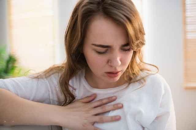 人到中年體內出現「這些症狀」,暗示可能出現「癌細胞」!專家教你這樣做…